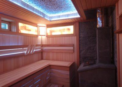 Парная,, под ключ,, отделка выполнена разными видами дерева, такими как липа, ольха, канадский кедр, можжевельник, абаш. Для дополнительного освещения установлена гималайская соль с разноцветный подсветкой.