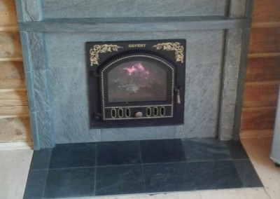 Поселок Коровинского спиртзавода Печь Гефест ПБ03 в облицовке презедент, портал из камня талькохлорит